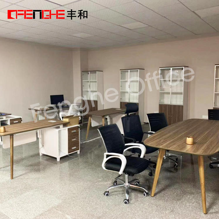 Office partitions and office furniture in China Project